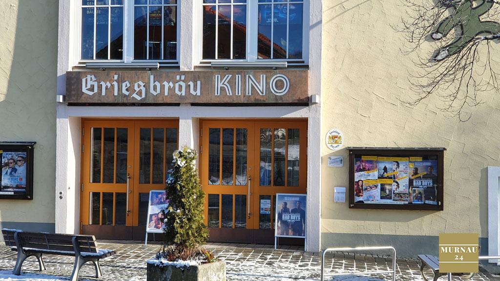 Der Eingang zum Filmtheater in Murnau